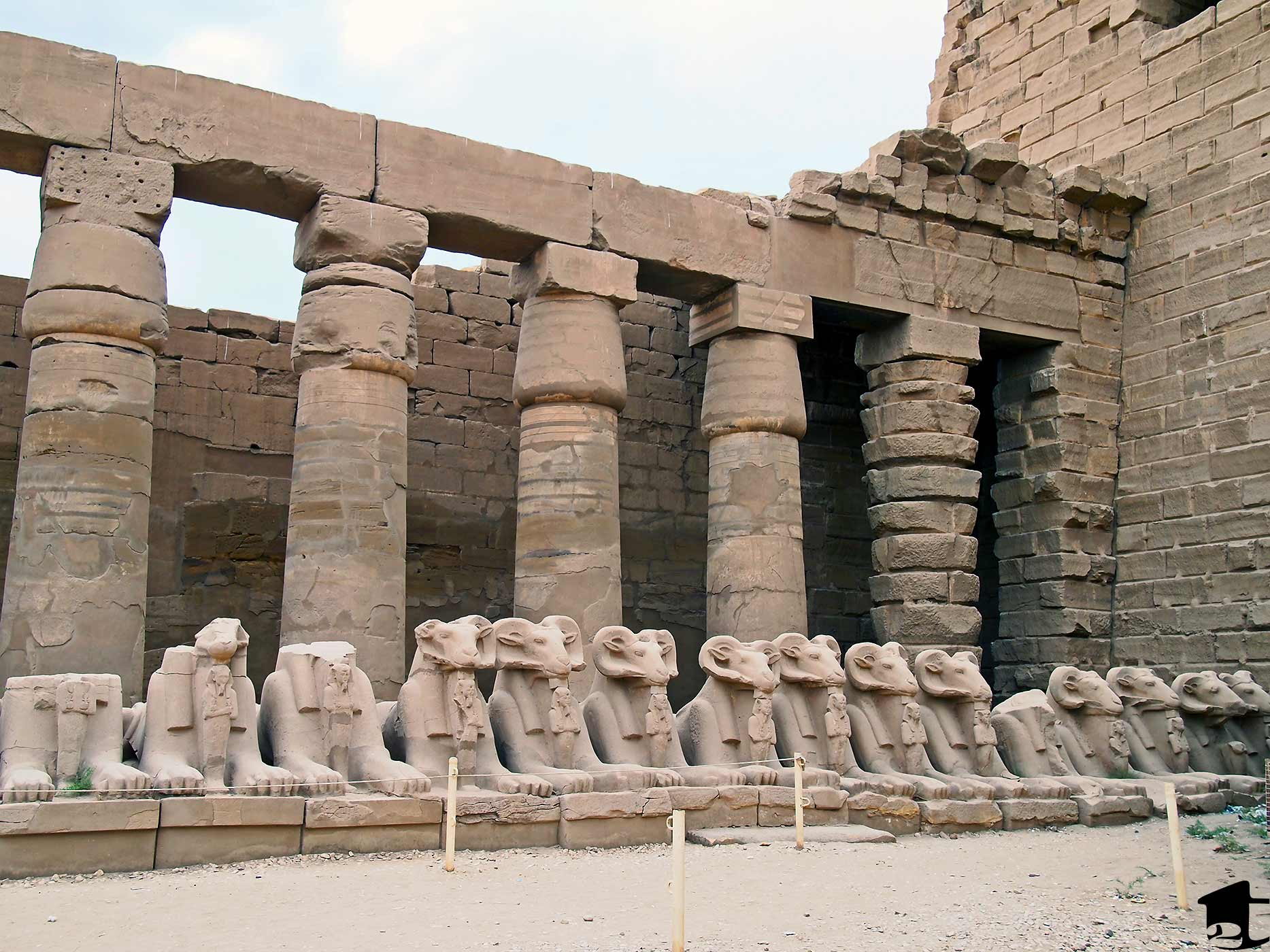 Pillars and statues at Karnak
